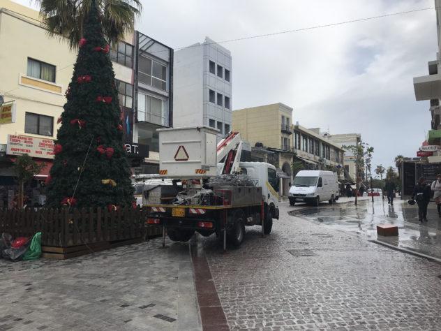 unnamed-19-e1543405255446 Στολίστηκε Χριστουγεννιάτικο δέντρο στην Ιδης