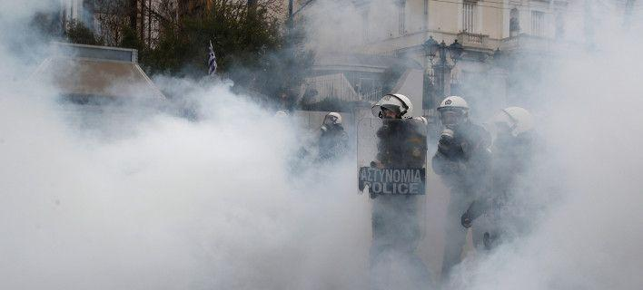 ximika-mat-sillalitirio-708 Εριξαν χημικά για να διαλύσουν το συλλαλητήριο για τη Μακεδονία