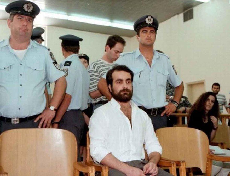 sexidis-theofilos-okto Νεκρός ο ισοβίτης Σεχίδης που σκότωσε και τεμάχισε την οικογένειά του
