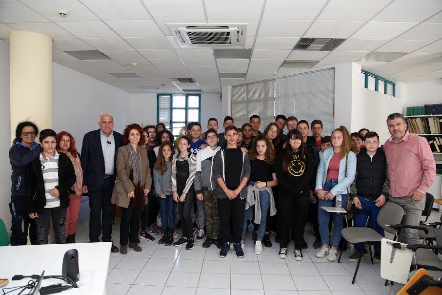 1-144 Στις εγκαταστάσεις της ΔΕΥΑΗ μαθητές και φοιτητές