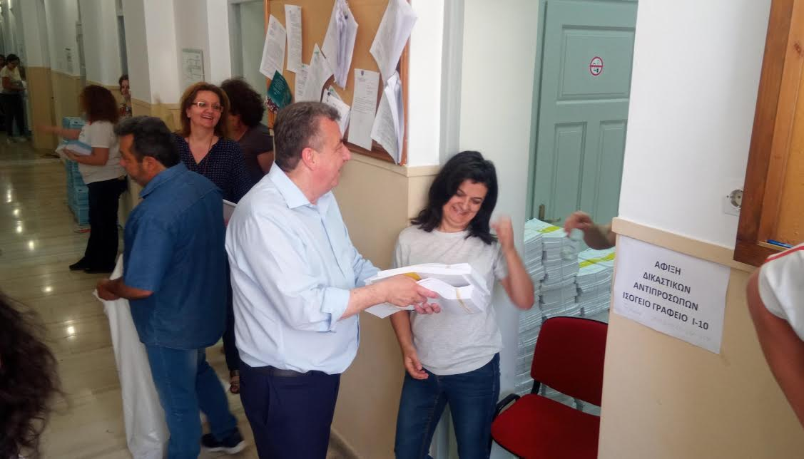 0-3-121 Οργασμός στην Περιφέρεια Κρήτης για τις εκλογές