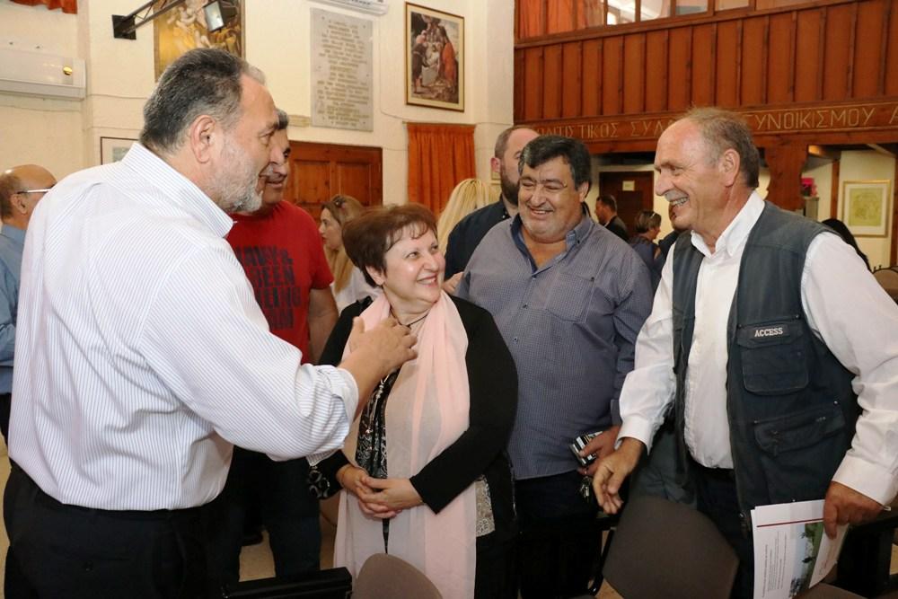 2_kourakis_agias_aikaterinis Επίσκεψη Κουράκη στη συνοικία της Αγίας Αικατερίνης