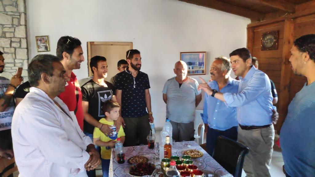 0-3-5 Επίσκεψη Αυγενάκη στον καταυλισμό των Ρομά