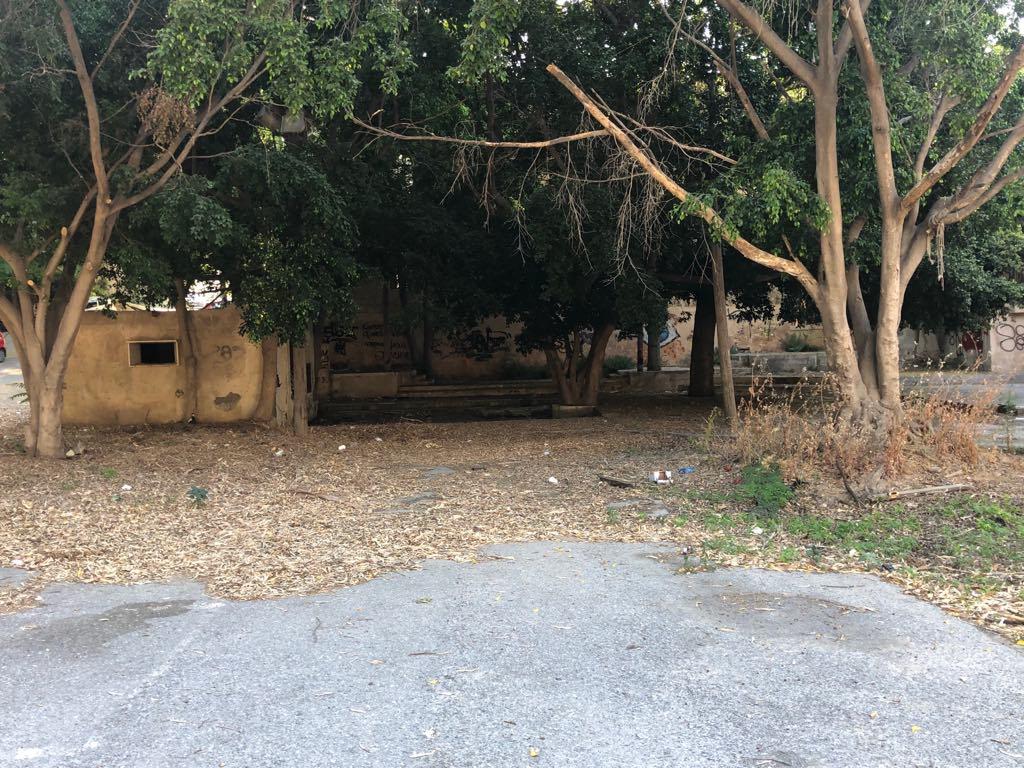 64435747_705361283234596_4509617009696178176_n Και (παράνομος) χώρος στάθμευσης, και σκουπιδότοπος στην καρδιά της πόλης