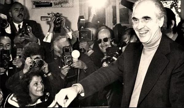 -ΠΑΠΑΝΔΡΕΟΥ Ιστορική αναδρομή στις εκλογές της μεταπολίτευσης - Πώς και ποιούς ψήφισε ο Ελληνικός λαός από το 1974 μέχρι το 2015