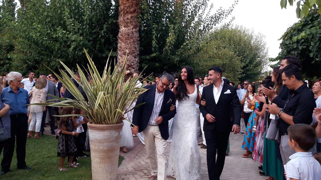 68433210_480931072486108_5298793396087816192_n Ένας λαμπερός γάμος στον Ιππικό ΄Ομιλο