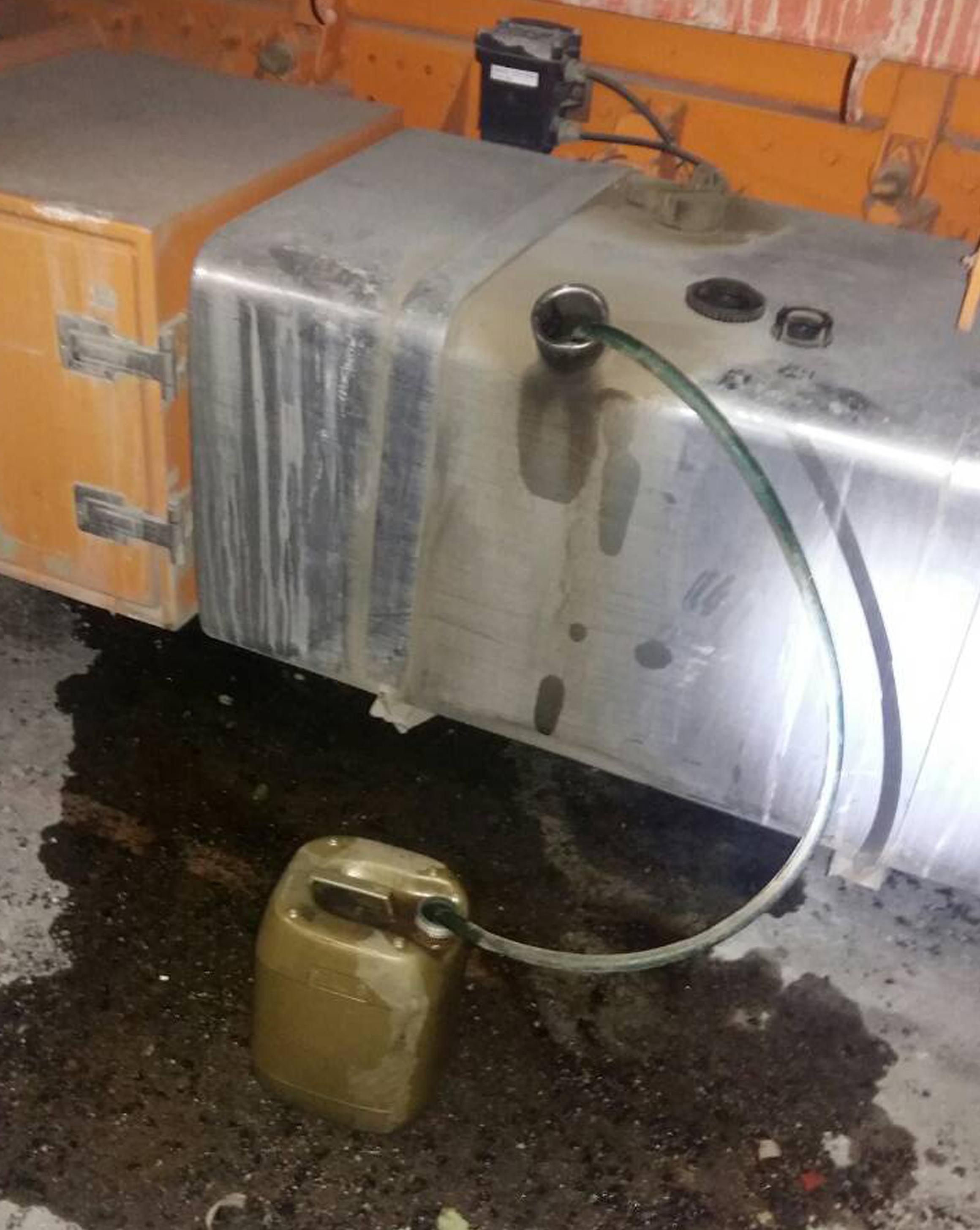 -κλοπή Εκλεβαν καύσιμα από χωματουργικά μηχανήματα